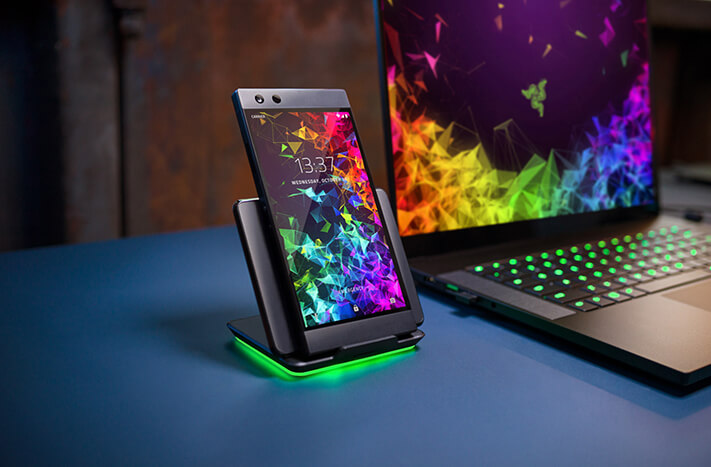 Razer Phone 2は性能だけじゃなく気分も上がる!イルミネーションゲーミングスマホ!