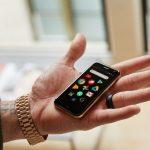 Palm Phoneは小型スマートフォンブームの火付け役となる!1つの番号を2台で使えるナンバーシェアにも対応!