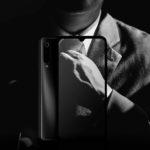 『Xiaomi Mi 9』はアルマーニのスーツによく似合うスマホ。36,503円で買える超限定セールスタート【8/25迄】