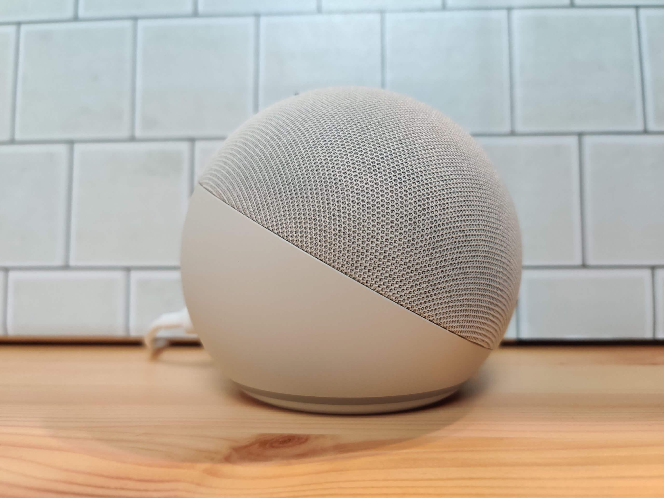 Echo Dot(第4世代)の横面