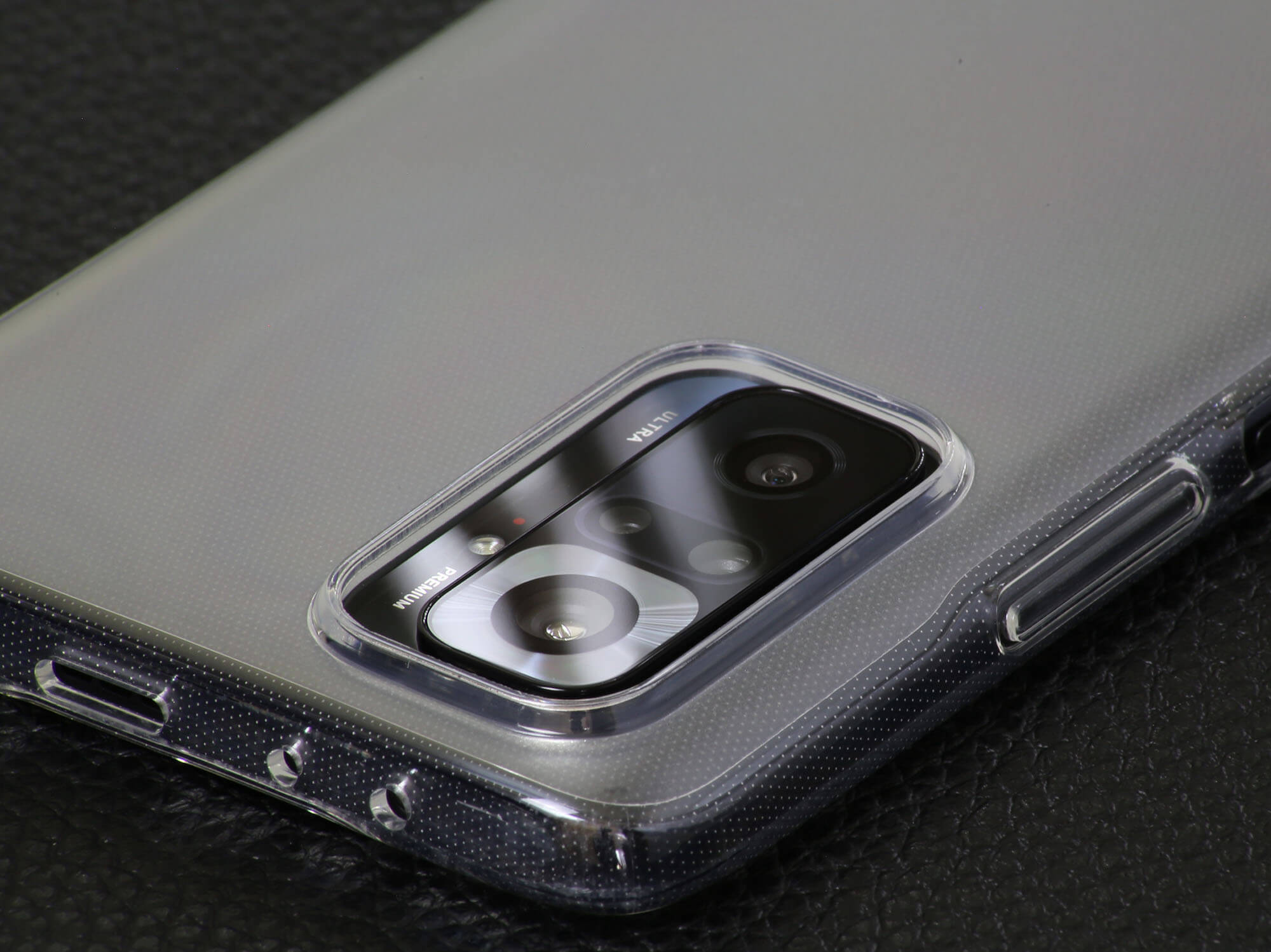 Redmi Note 10 Proの付属ケースはカメラリングが傷からしっかりとレンズをガード