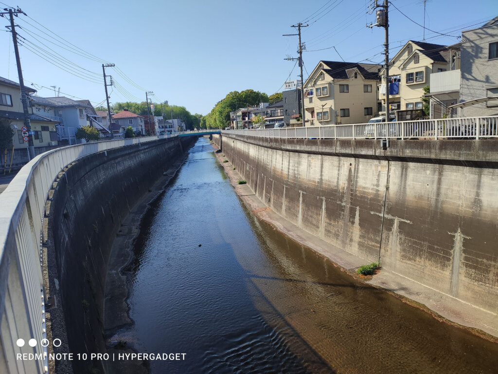 Redmi Note 10 Proで撮影した青空と川の写真