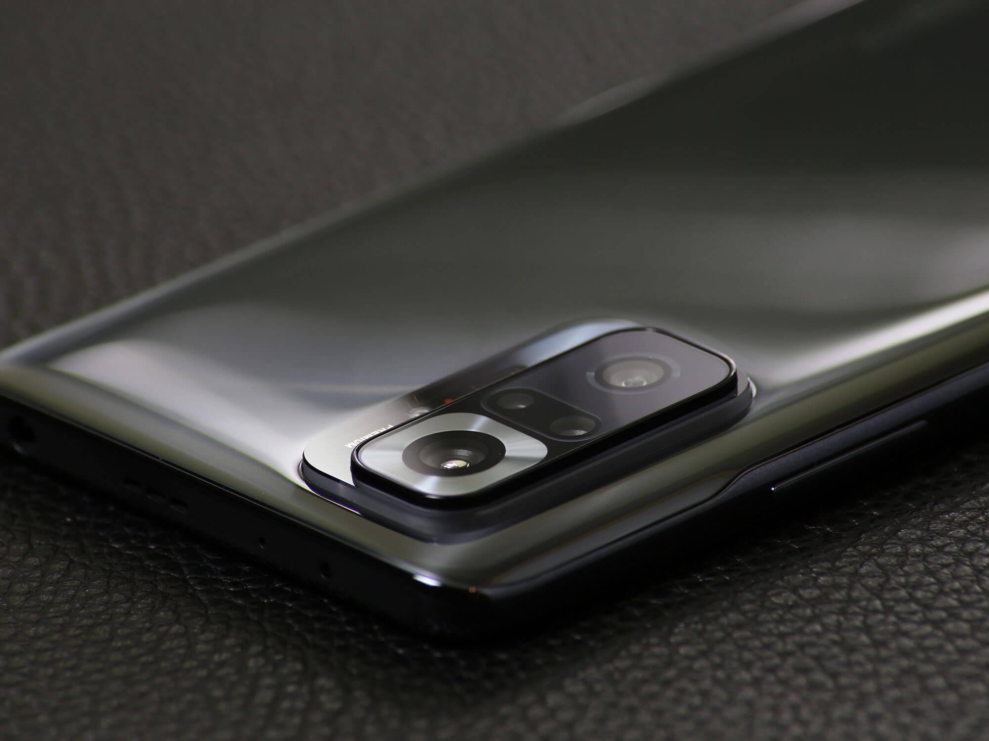 見た目ですでに高画質を予感させるRedmi Note 10 Proのカメラデザイン。勿論画質は見た目以上