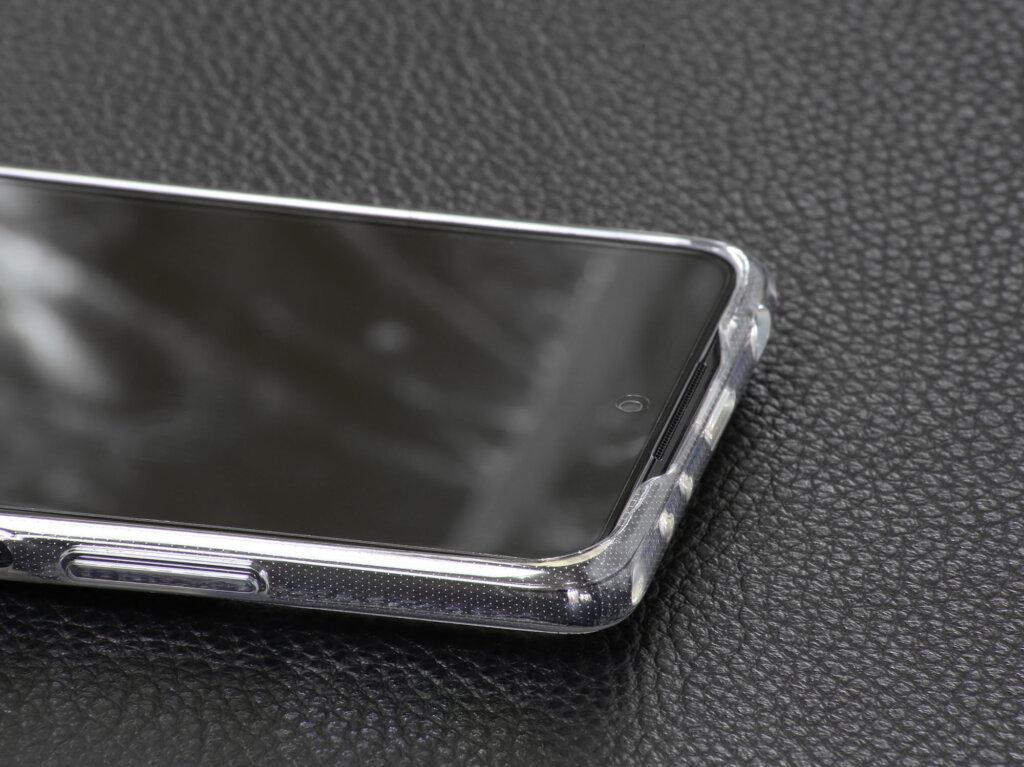 Redmi Note 10 Proの付属ケースは四隅でディスプレイをしっかりとガード
